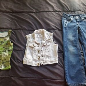 size 6 set denim sleeveless top and jeans